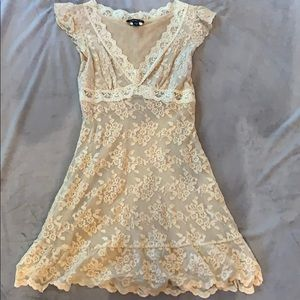 Bebe lace dress size small
